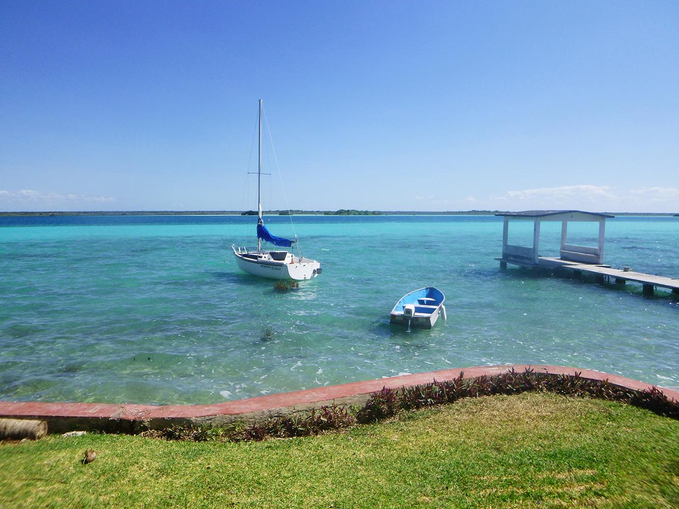mexico bacalar boats