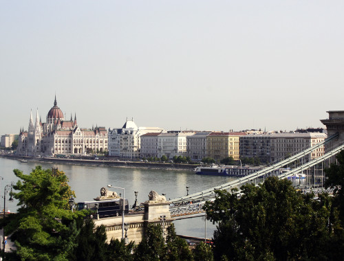 budapest-parlament-view
