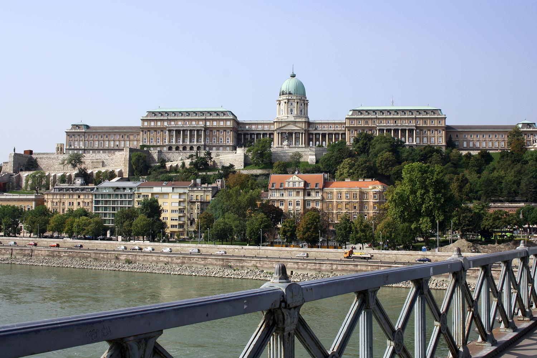 budapest-royal-palace-bridge