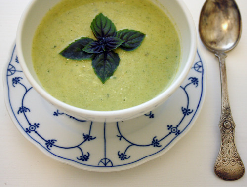 recipe-brokollie-basilikum-creme-suppe2
