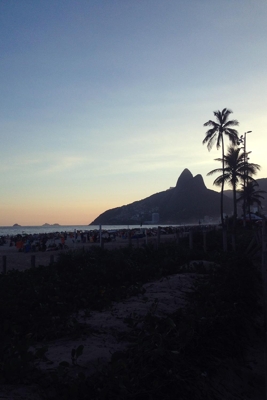traveldiary-rio-ipanema-dois-irmaos